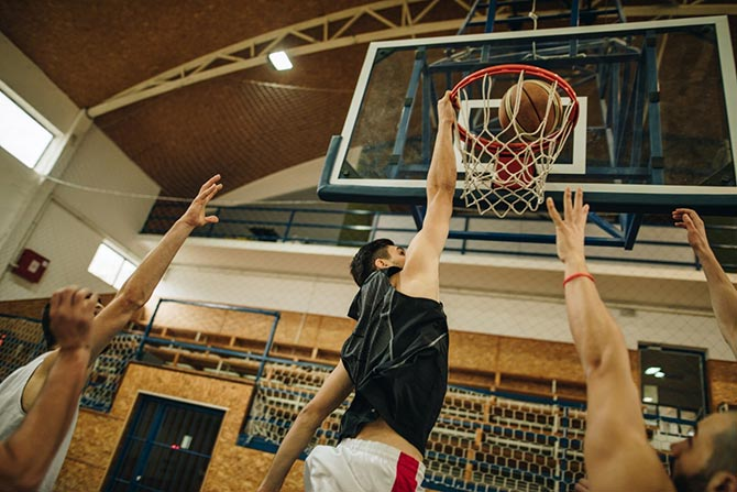 Basketballer bei Slam Dunk