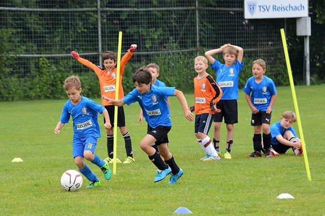 Kindertraining Im Fussball Ingo Anderbrugge Gibt Expertentipps