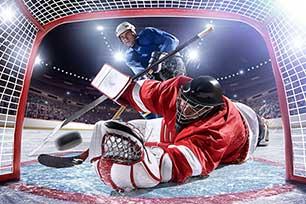 Les techniques de tir au hockey sur glace : comment réaliser un lancer frappé & Co.
