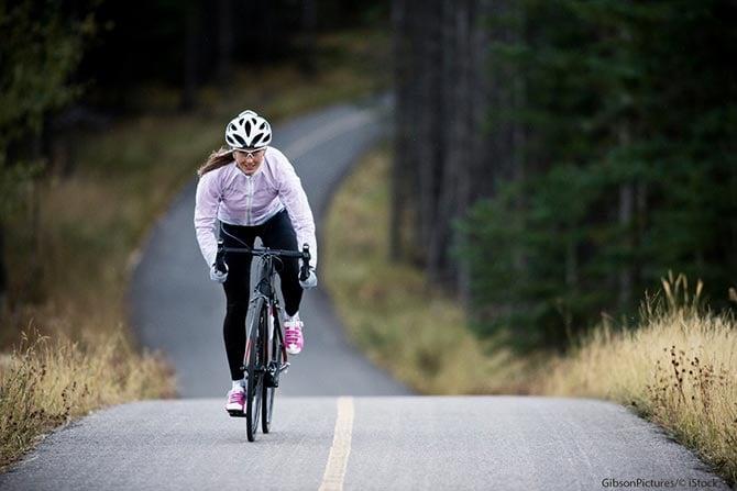 Anfänger trainiert auf Rennrad