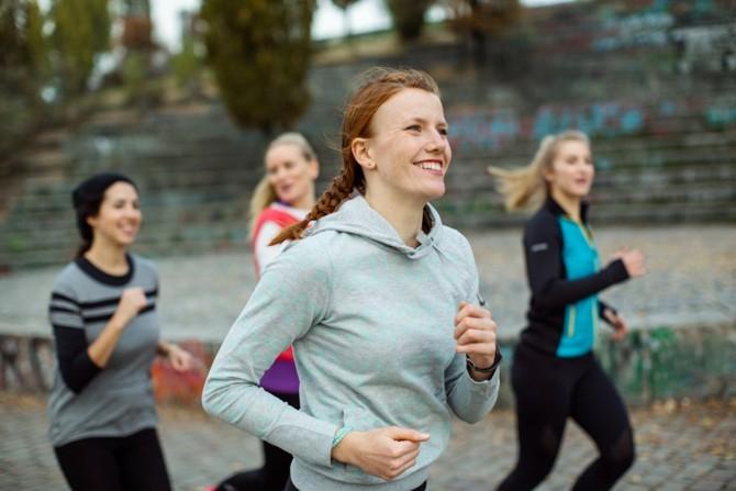 Sport wie Laufen stärkt die Psyche.