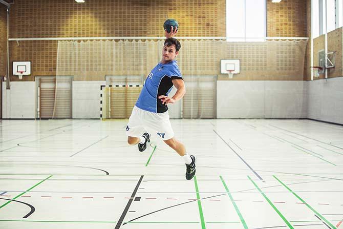 Sprungwurf im Handball: Übungen, um die Sprungkraft zu
