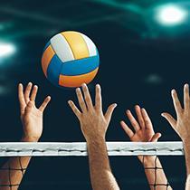 Volleybalspeler in zelfontworpen owayo-volleybalshirt